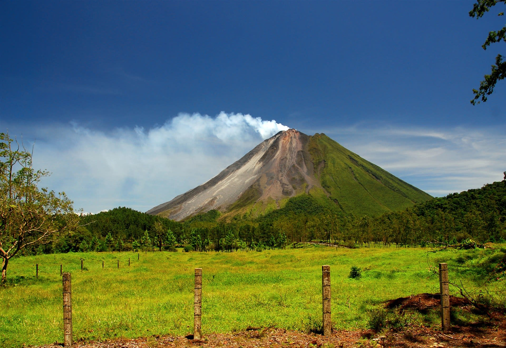 Chile & Costa Rica Fly Drive Holidays