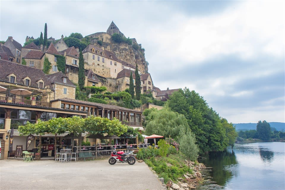 Dordogne Valleys & Villages Cycling