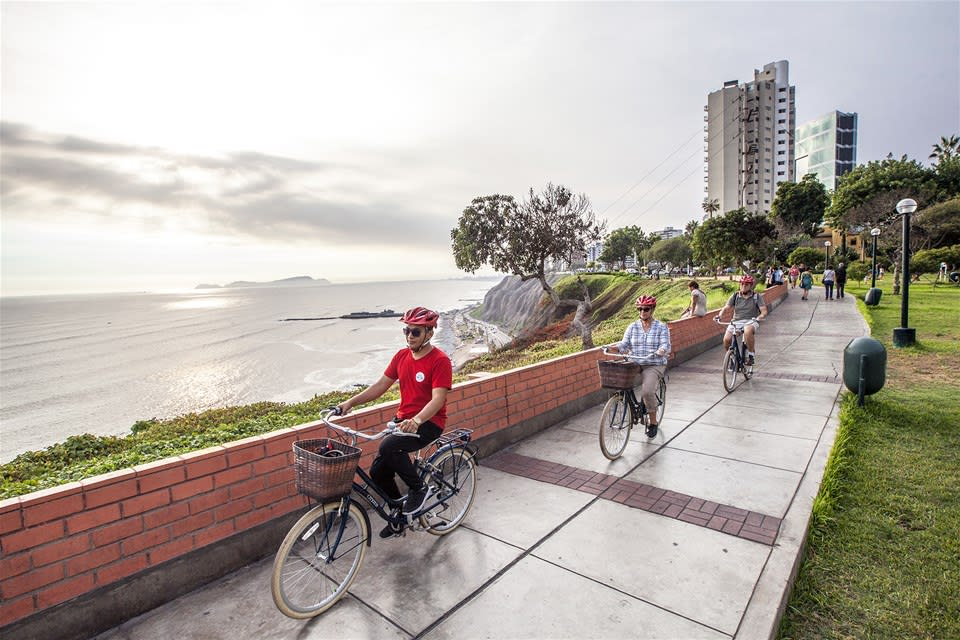 Lima's Beaches by Bike