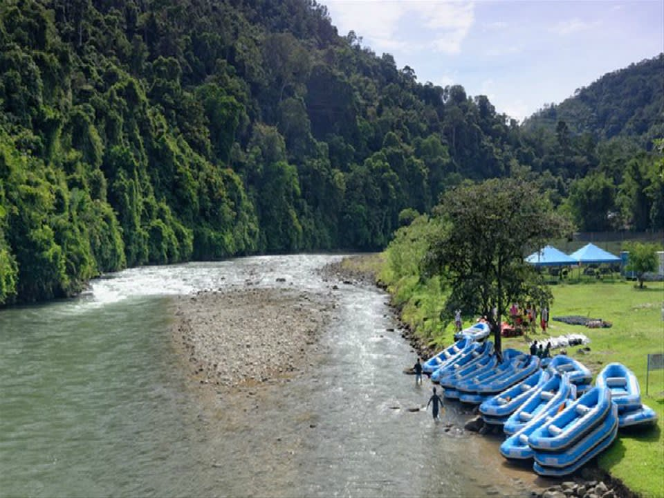 Rafting the Kiulu River