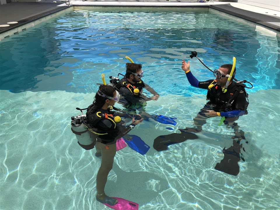 Port Douglas 3 Day Learn to Dive Course
