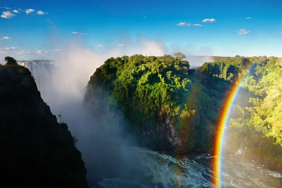 Victoria Falls By Luxury Rail & River Cruise