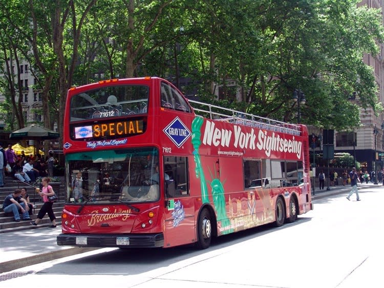 Freestyle New York 3 Day Hop-On Hop-Off Bus Tour with 3 Attractions