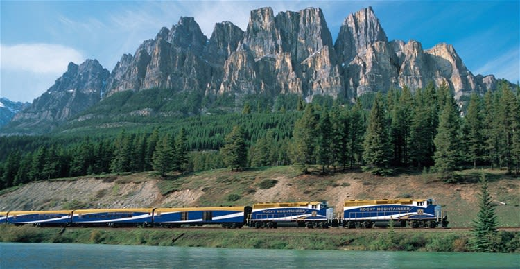 Rocky Mountaineer Rainforest to Gold Rush Vancouver to Jasper