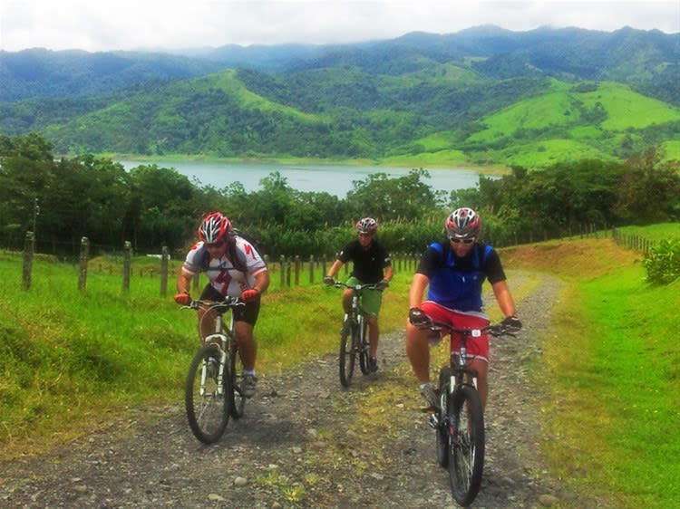 Mountain Biking Adventure near Arenal